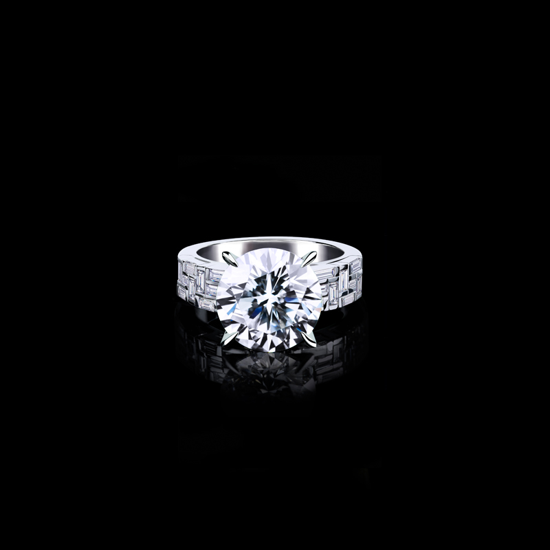 Canturi Cubism 3 row baguette and carré cut diamond engagement ring in 18ct white gold.  Available in round brilliant cur diamond (shown) or a variety of diamond shapes and sizes.