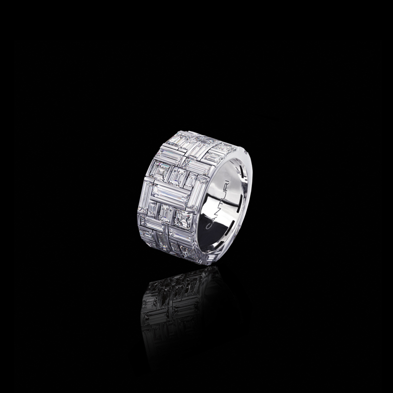 Canturi Cubism extra wide ring featuring baguette and carré cut diamonds in 18kt white gold, also available in yellow and pink gold