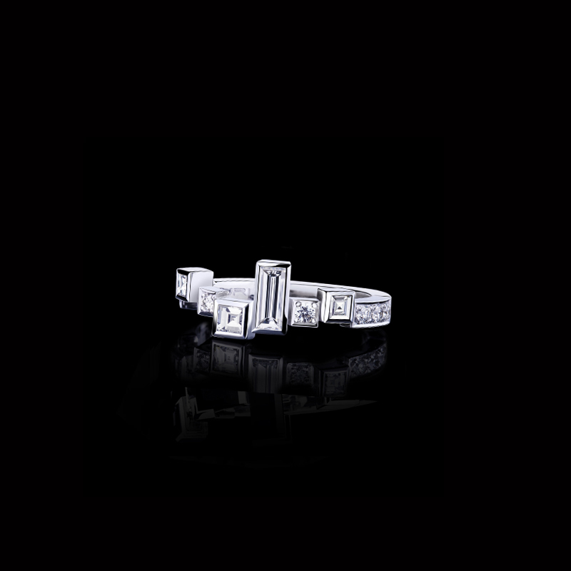 Canturi Cubism Radiant ring with princess, baguette and round brilliant cut diamonds in 18ct white gold, also available in yellow gold or pink gold.