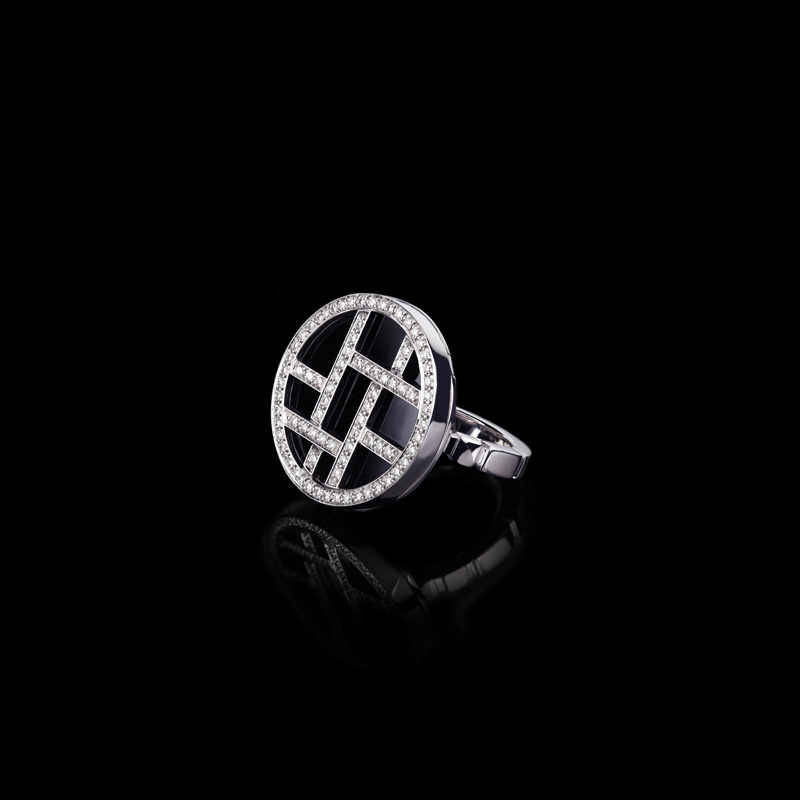 Canturi Metropolis woven diamond ring with onyx gemstones on a Regina style band in 18ct white gold. Also available in 18ct yellow and pink gold.