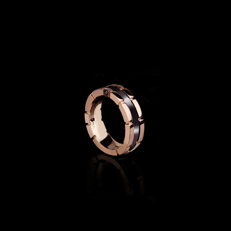 Regina 7mm ring with black ceramic inlay in 18ct pink gold.