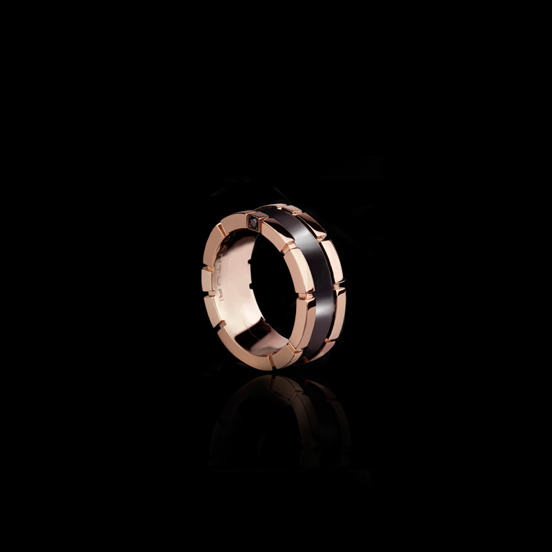 Regina 9mm ring with black ceramic inlay in 18ct pink gold.