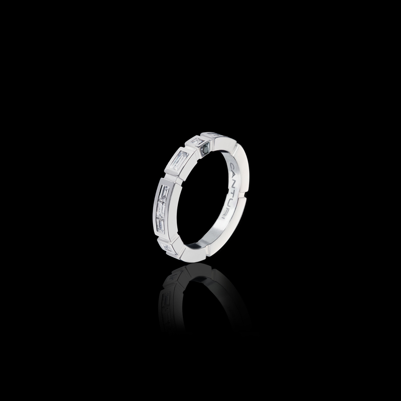 Canturi Regina baguette and carré cut diamond band with Australian black sapphire detail available in 18kt white gold, also available in yellow or pink gold