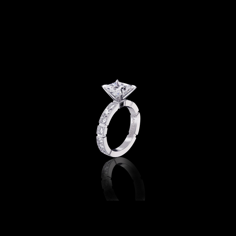 Canturi Regina diamond engagement ring with Dream setting and single Australian black sapphire detail available in Princess cut diamond