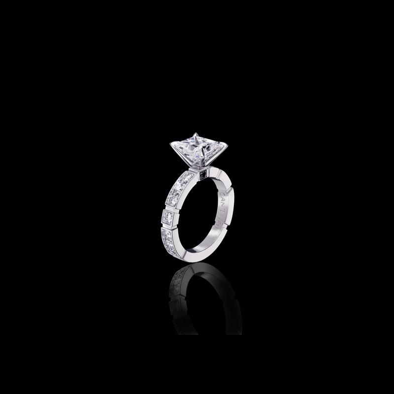 Canturi Regina diamond engagement ring with Dream setting and single Australian black sapphire detail available in Princess cut diamond