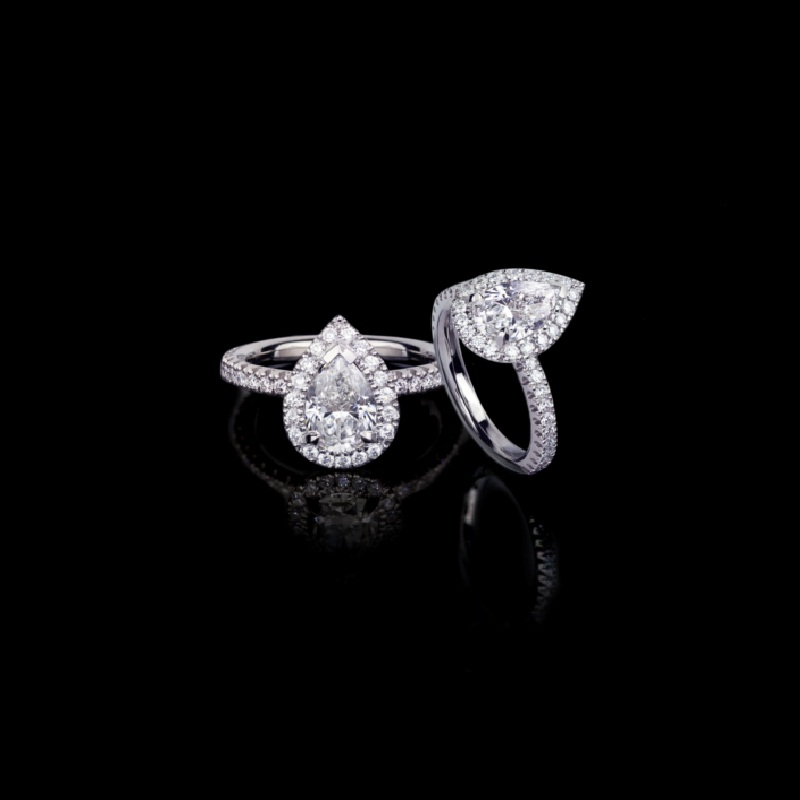 Canturi Renaissance diamond engagement ring in a scalloped set halo available in a pear shaped diamond (shown) or a variety of diamond shapes and sizes. In 18ct white gold, also available in yellow gold, pink gold and platinum.