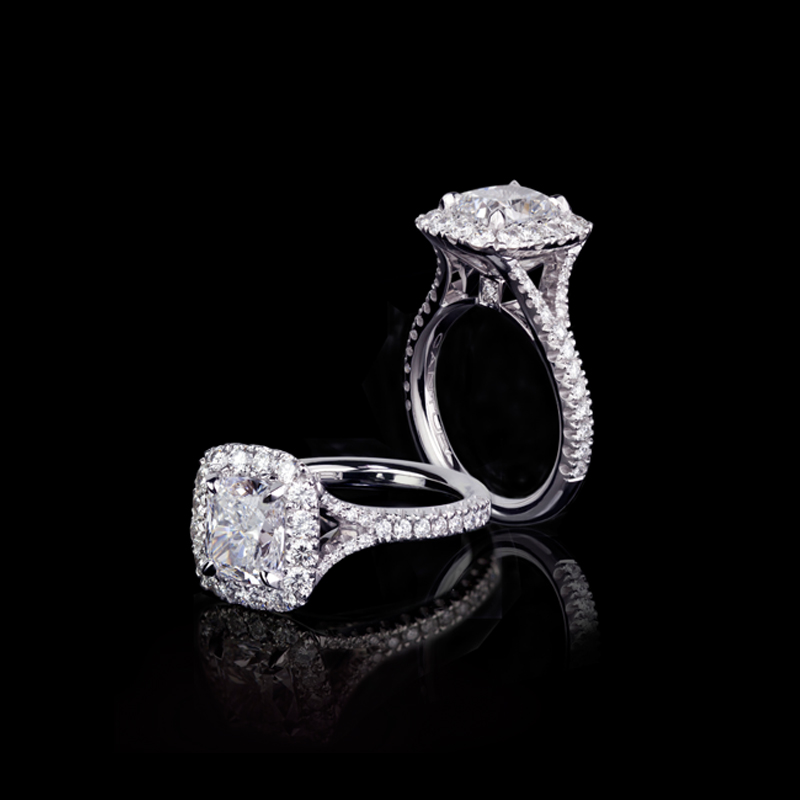 Canturi Renaissance micro scalloped split design diamond band with cushion cut diamond In 18ct white gold, also available in yellow gold or pink gold.