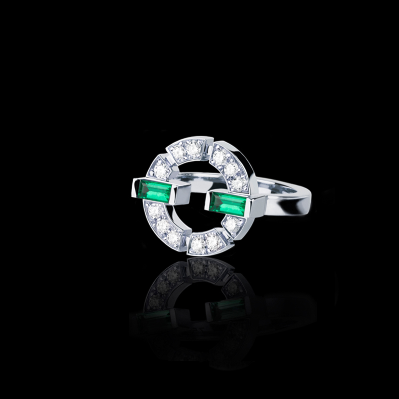 Canturi Regina single link diamond and green emerald ring in 18ct white gold, also available in yellow or pink gold.