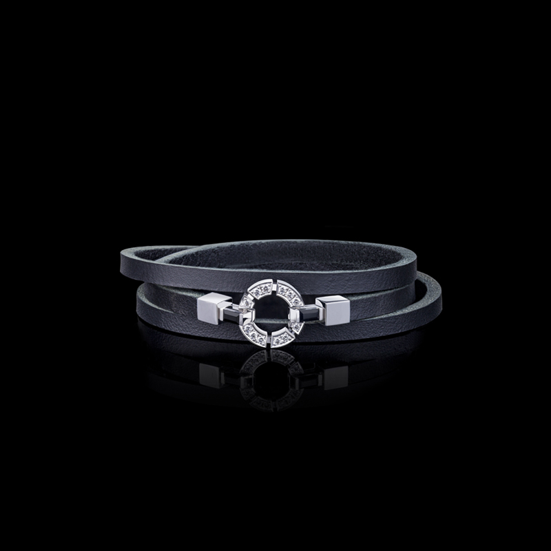 Regina single link diamond and Australian black sapphire leather bracelet in 18ct white gold.  Also available in 18ct pink or yellow gold.