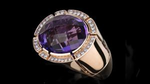 Canturi Cubism Pavé cocktail ring featuring a amethyst gemstone and diamonds in 18kt pink gold.