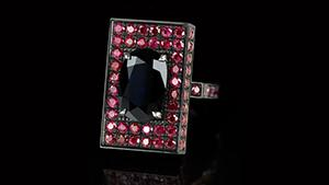 Canturi Captivo Melbourne ring with black sapphires and rubies in 18kt white gold